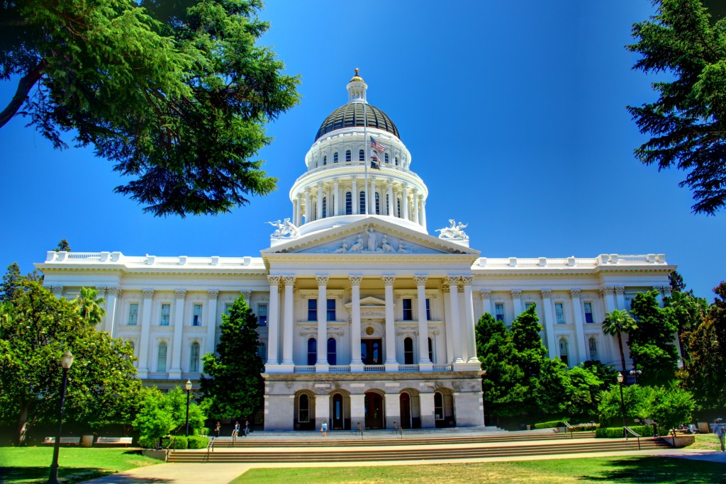 CA online poker bill passes, but outlook tentative