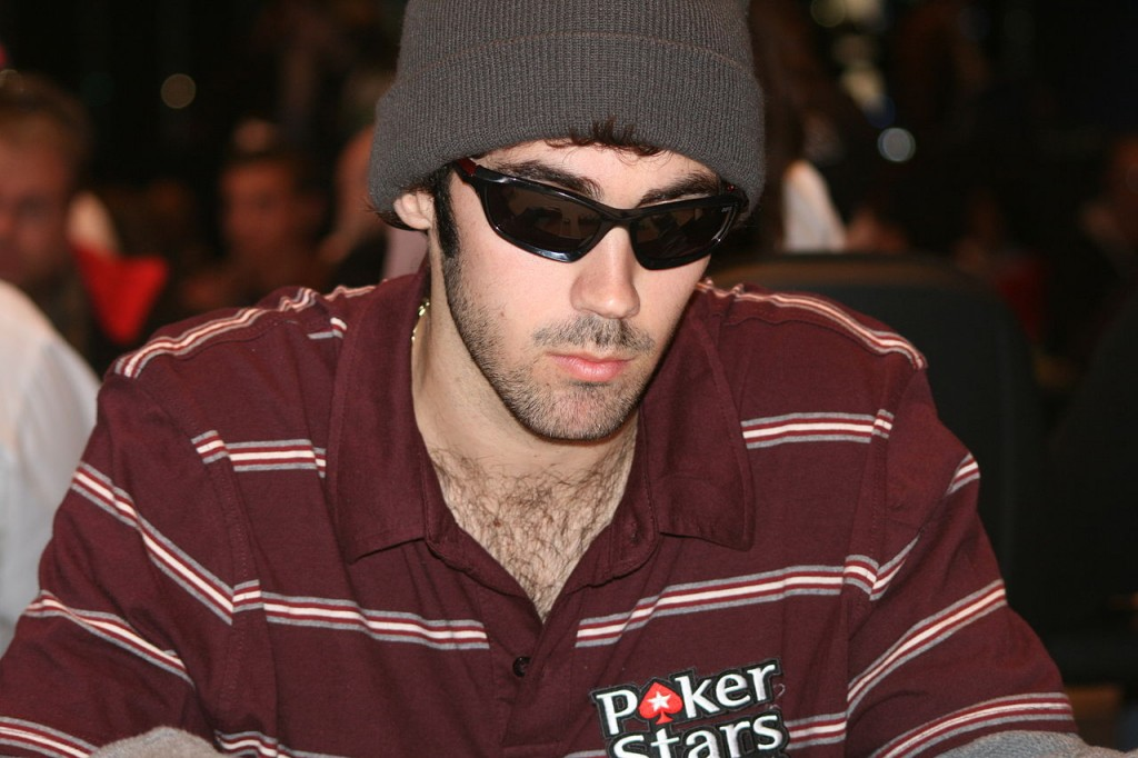 Jason Mercier wins 2015 WSOP Bracelet